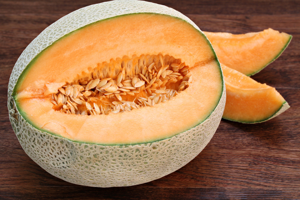 Hale S Best Jumbo Cantaloupe Seeds Cantaloupe (actually a muskmelon) tempts you with extra sweet, juicy flesh and a delicious, musky fragrance that emanates through the melon. the living centre